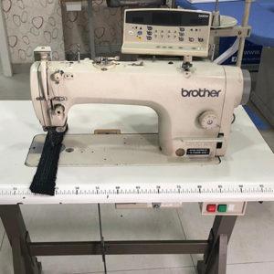 Macchina per cucire e ricamare industriale Brother 7200 b
